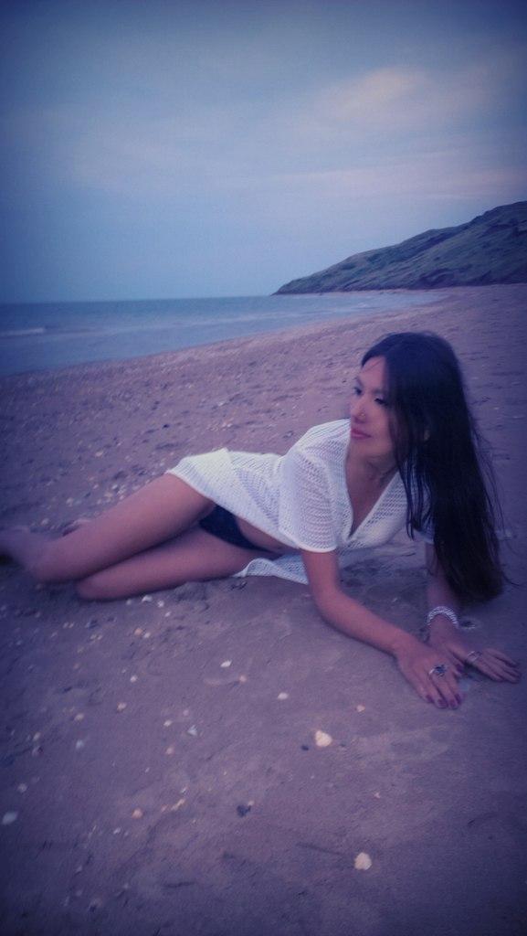 Попутчица на отдых для пляжного отдыха и секса